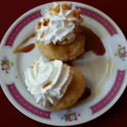 beignet de fruit glace vanille sauce caramel